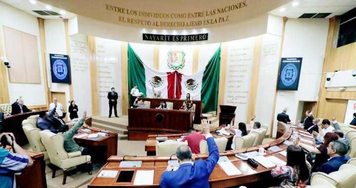 DIPUTADOS NAYARITAS ABANDONAN CURULES ANTE CORONAVIRUS