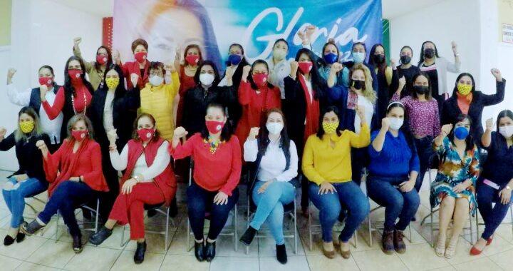 Se posiciona Gloria Núñez como la voz de la mujer nayarita