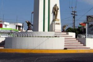 El monumento a Benito Juárez en Tepic, en completo abandono