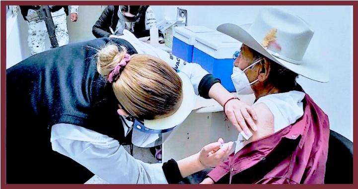 Inicia vacunación contra Covid-19 a adultos mayores de Tepic